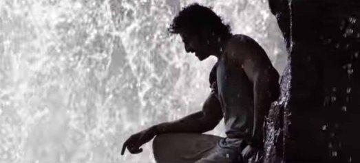 Prabhas-at-waterfall-in-Baahubali